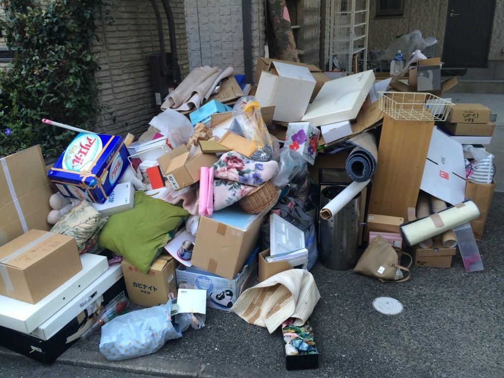 大分ゴミ屋敷、別府市 ゴミ屋敷、大分市部屋の片付け、別府市部屋の片付け、タンス回収、不用品回収、実家片付け大分市