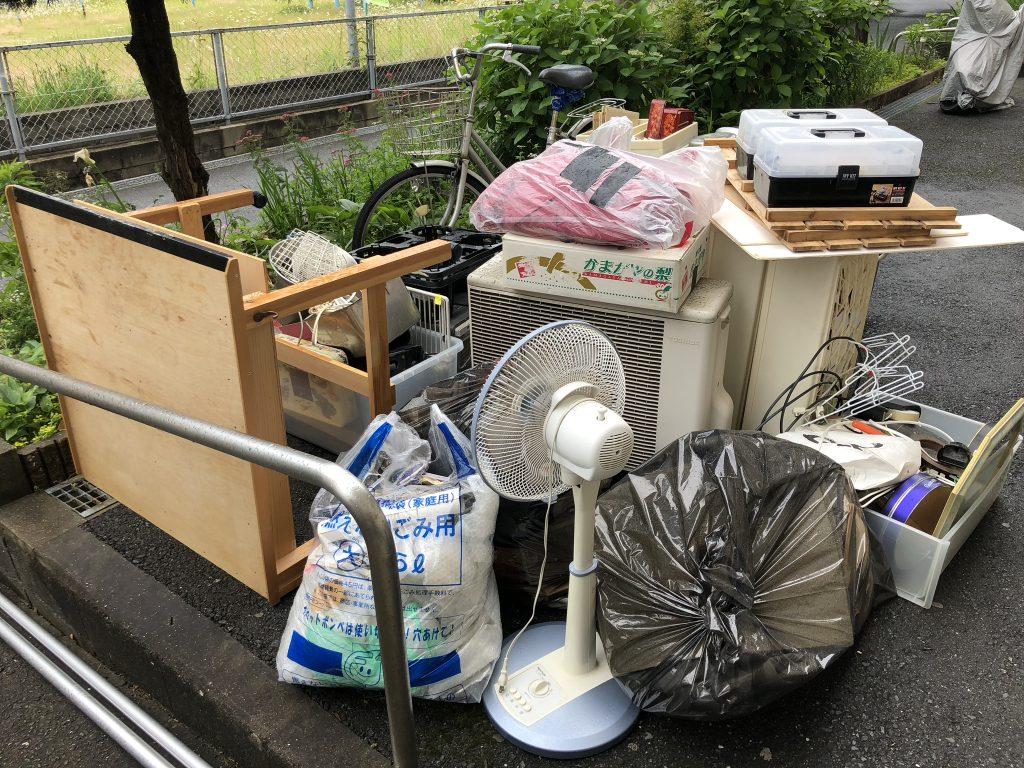 大分市引越しゴミ回収、大分市事務所片付け、別府市引越しゴミ回収、大分市ゴミ屋敷、別府市ゴミ屋敷、別府市部屋の片付け、汚部屋清掃、単身引越し、大分実家片付け、別府市実家片付け